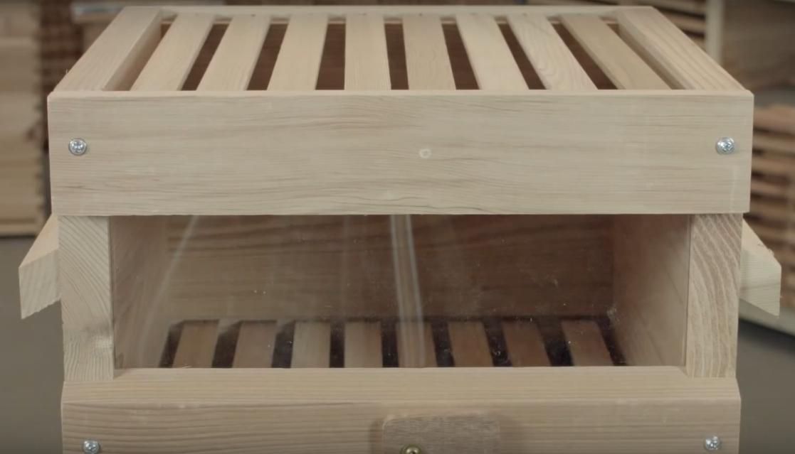 корпус улья с смотровым окном